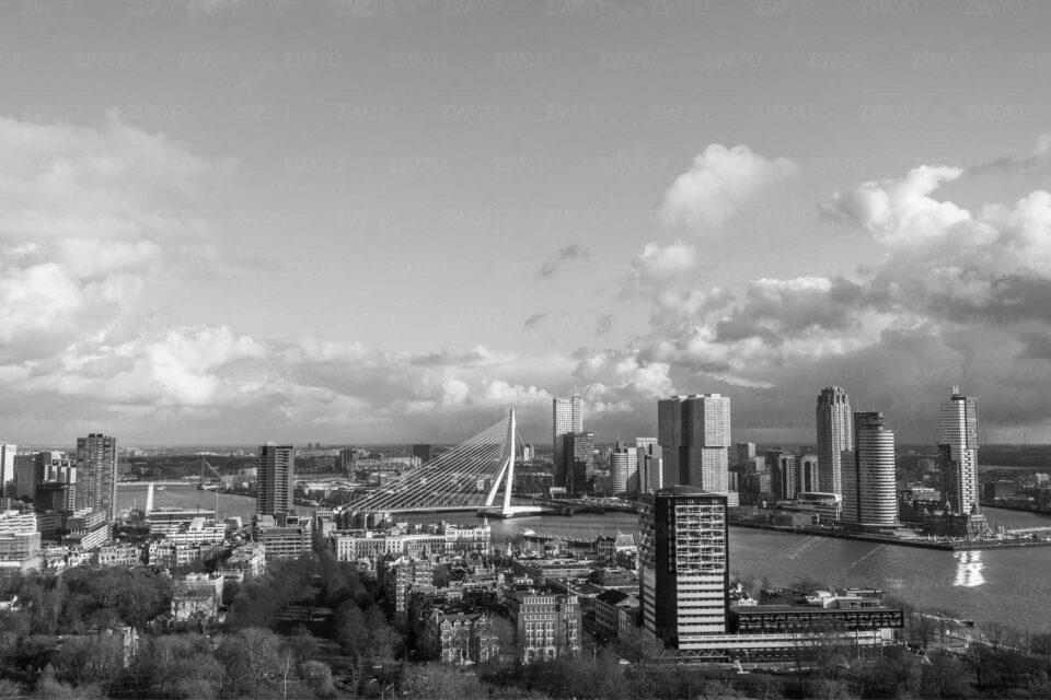 Mooiste foto skyline rotterdam ©ZwartWit010. Rotterdam Skyline