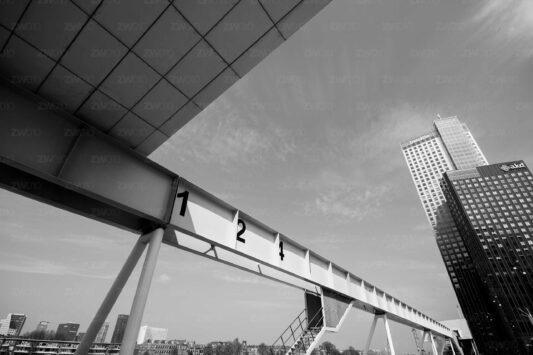 Rotterdam zwart wit foto van ©ZwartWit010 Kop van Zuid