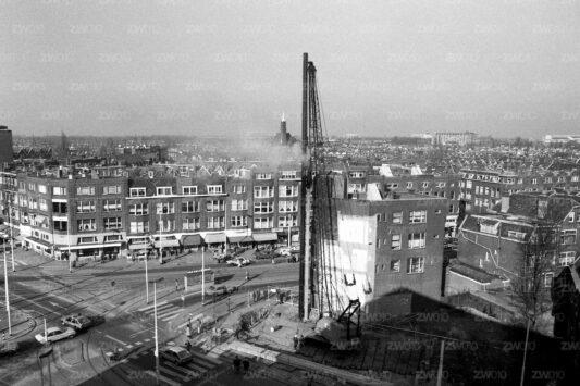 Rotterdam zwart wit foto van ©ZwartWit010. Mathenesserplein
