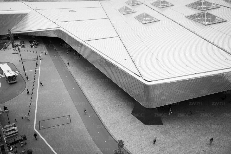 Rotterdam zwart wit foto van ©ZwartWit010. Centraal Station