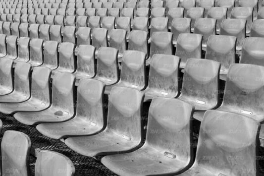 Rotterdam zwart wit foto van ©ZwartWit010 Stadion Feyenoord De Kuip Stoeltjes