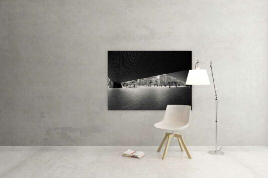 Rotterdam zwart wit foto van ©ZwartWit010. Stationsplein Rotterdam Centraal Station