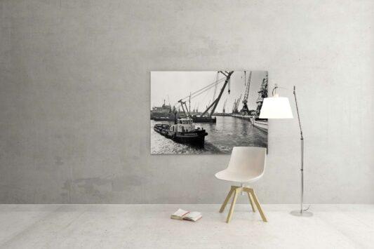 Rotterdam zwart wit foto van ©ZwartWit010. Sleepboot-Spitsbergen