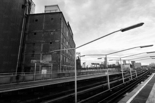 Rotterdam zwart wit foto van ©ZwartWit010. Station Maashaven
